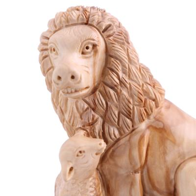 Olive_Wood_Lion_with_a_Lamb7__1471204609_109